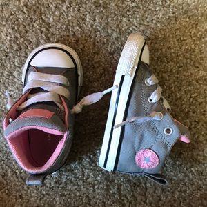 High top toddler converse - size 5